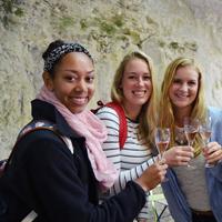 Dégustation de vins d'Anjou et de fromage français