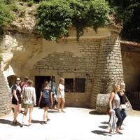 Incroyables maisons souterraines : les troglodytes